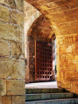 Altstadt - Blick durch Mauern